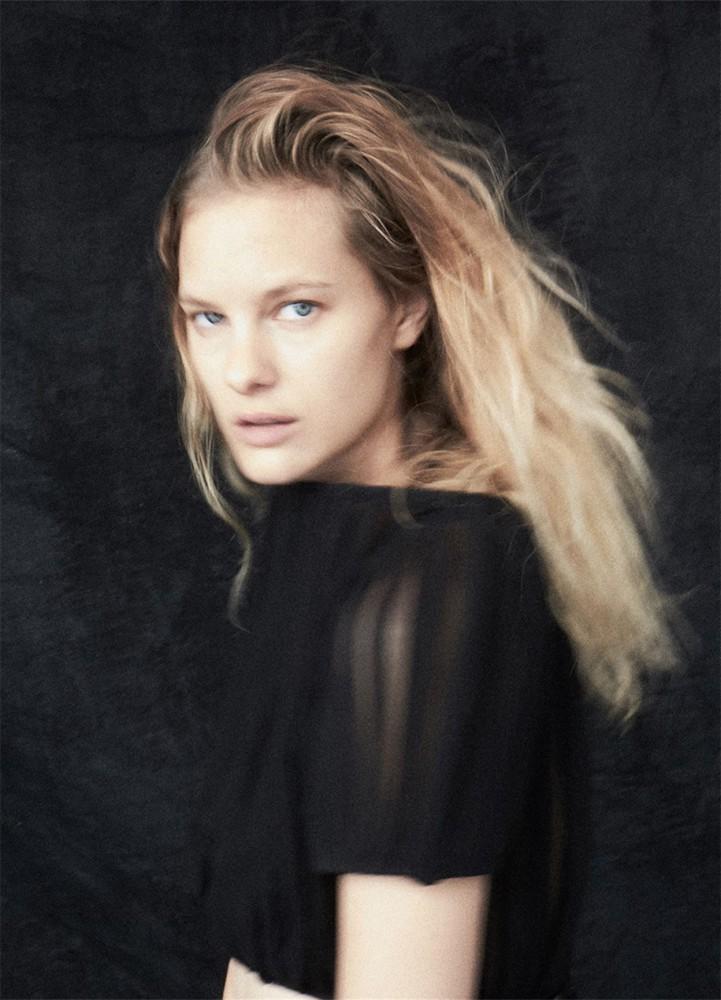 Hannah Holman Nude Photos 75