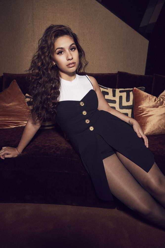 Alessia Cara | TOMORROW MAGAZINE