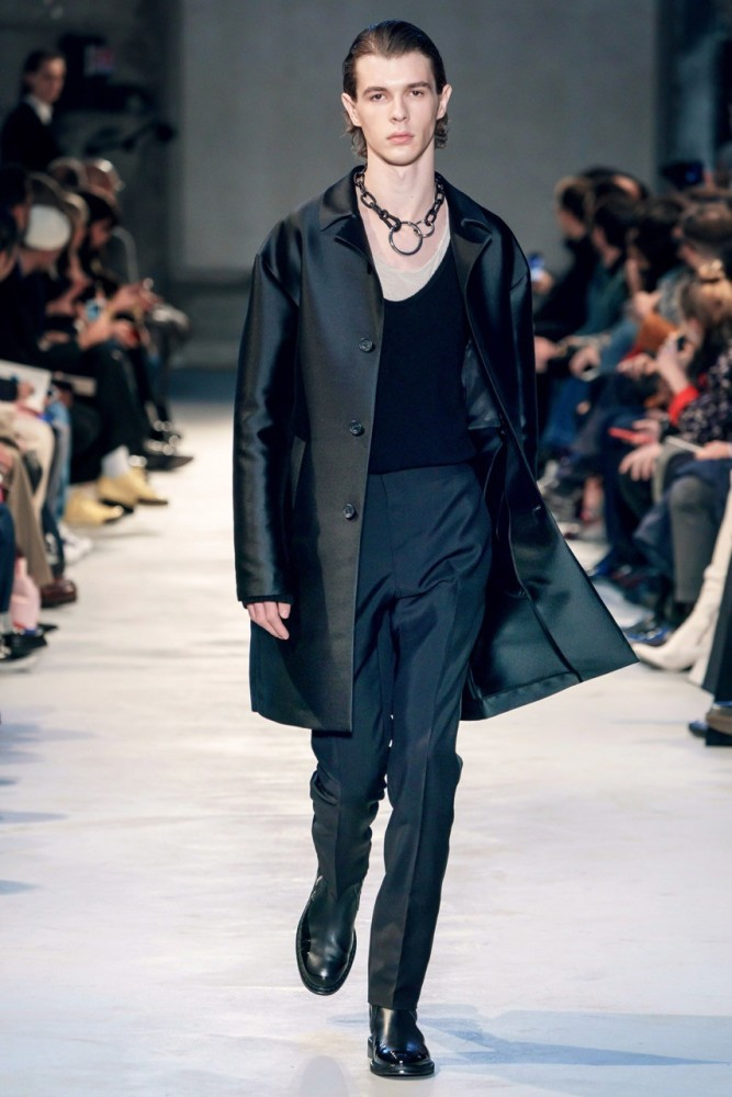 Efraim Schroder walks for No.21 F/W19 Runway Collection in Milan