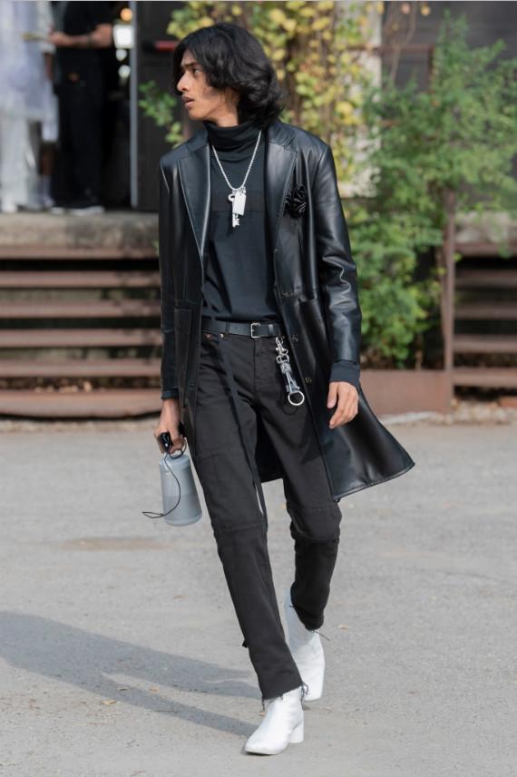 New Face Tuhir walks in MM6 Maison Margiela Spring 2020 RTW ...