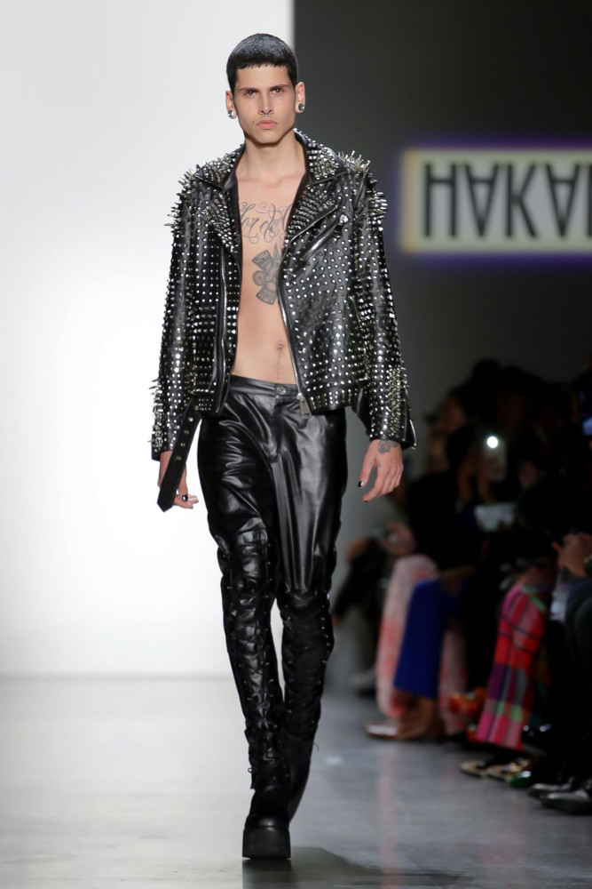 New Face Oscar Hernandez walks for Hakan Akkaya F/W'19 Collection