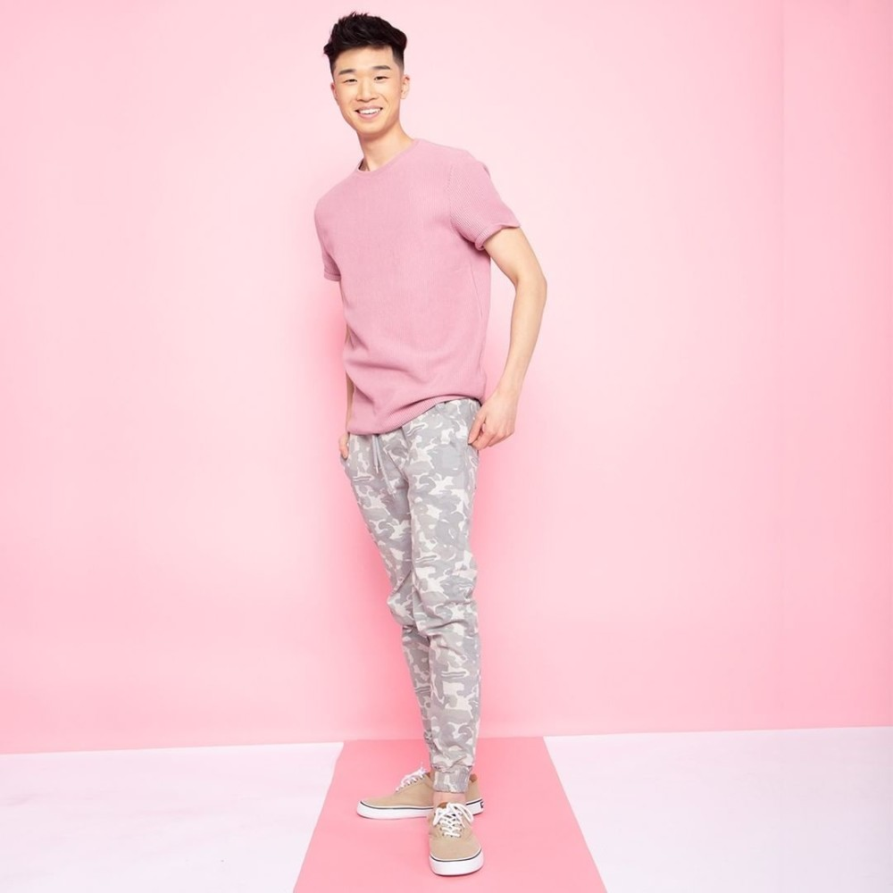 SPOTTED: HANDSOME IN PINK // NATHAN T FOR SOFTMOC.