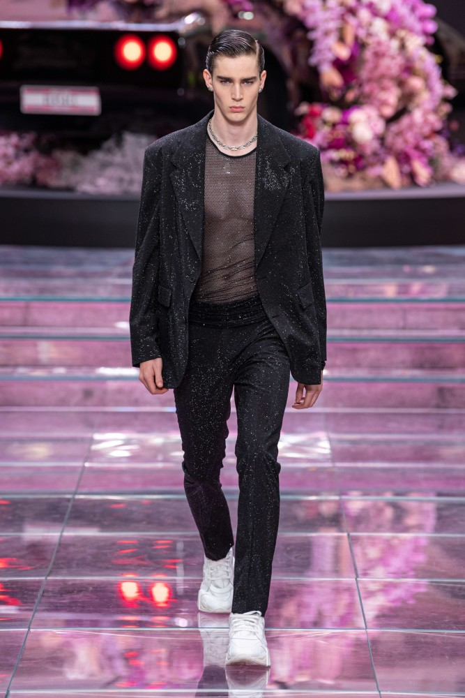 SPOTTED: MITCHELL G. FOR VERSACE SS/20