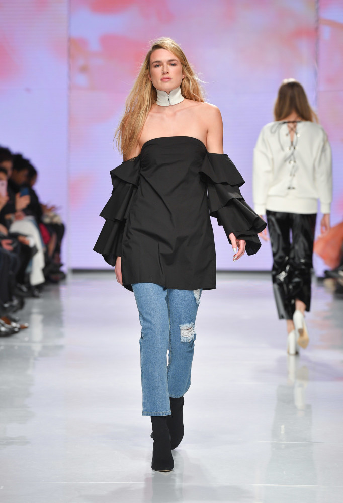 SPOTTED: Stefanie Hill for Hilary MacMillan @ TFW