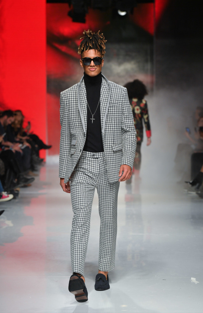 SPOTTED: Austin Bryan for Hendrixroe @ TFW