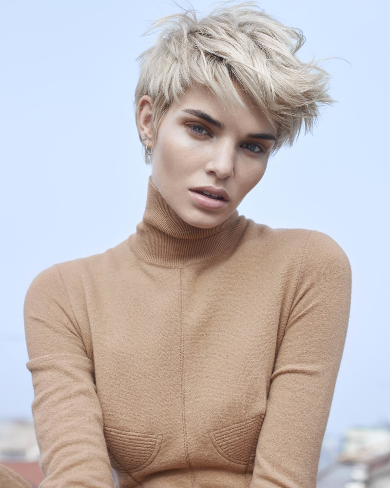 SPOTTED: BLONDES HAVE FORE FUN: INTRODUCING LUISA HARTEMA