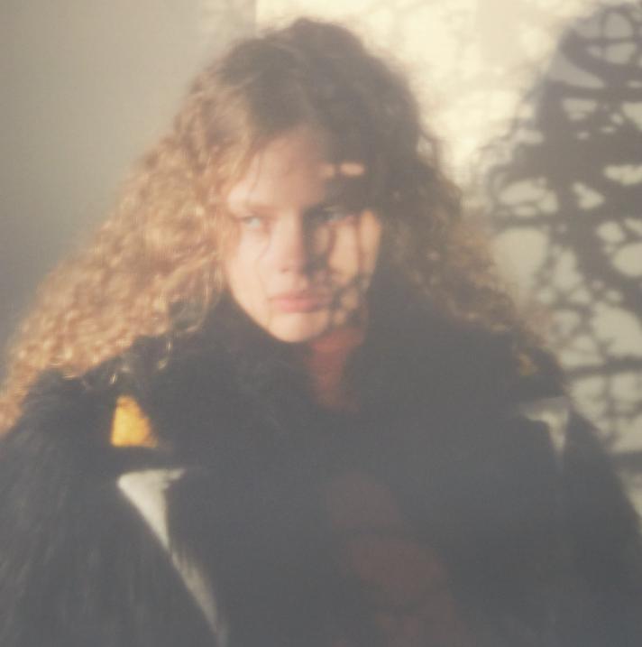 Maeve Whalen- - Janneke Van Der Hagen - Numero 187 - October 17