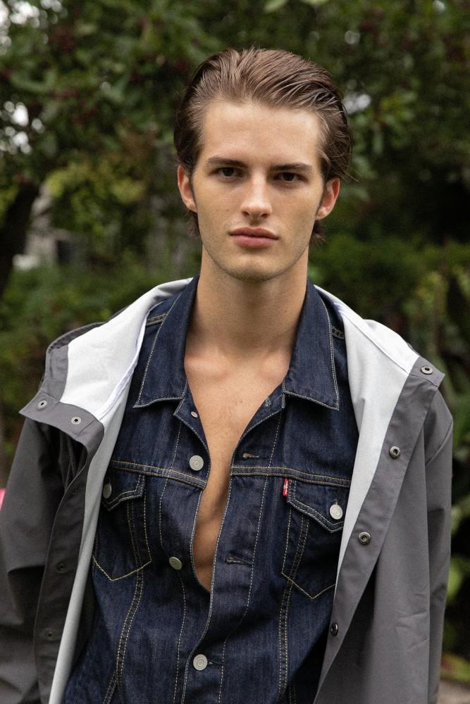 Bastian B