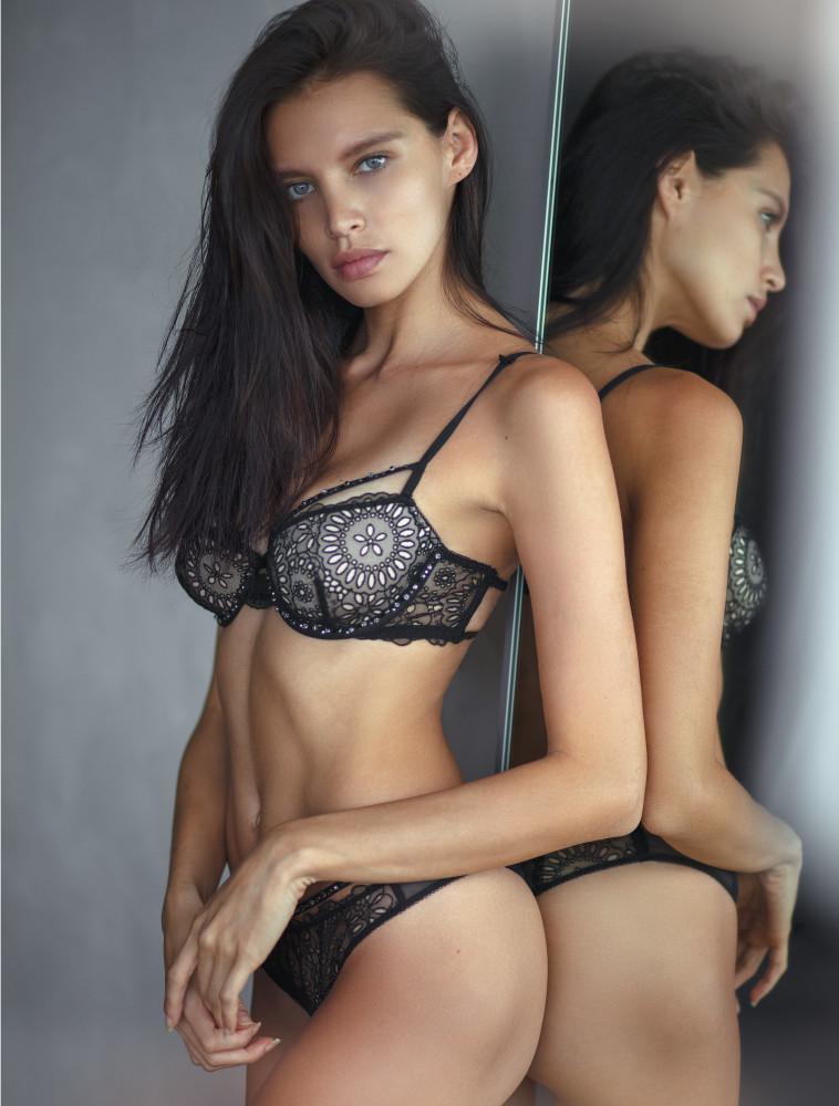 Gabriela Cruz